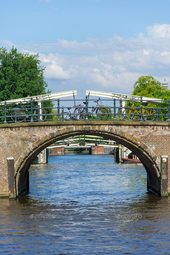 bridges of amsterdam essay Top 5 bridges in amsterdam one of the most modernistic bridges in amsterdam, the walkway of the python bridge actually rises and falls and can be quite a steep.