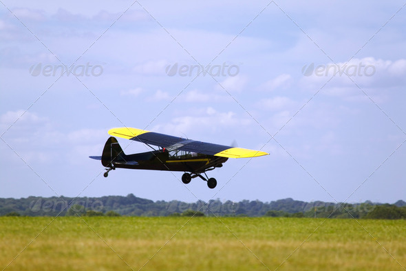 Low flying aircraft - Stock Photo - Images