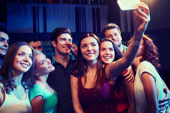 что вытворяют девушки в ночных клубах фото