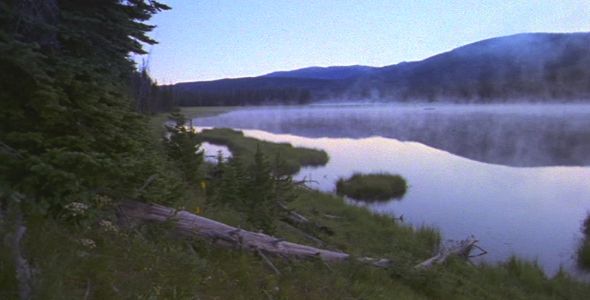 VideoHive Early Morning Mist on Lake 1582553