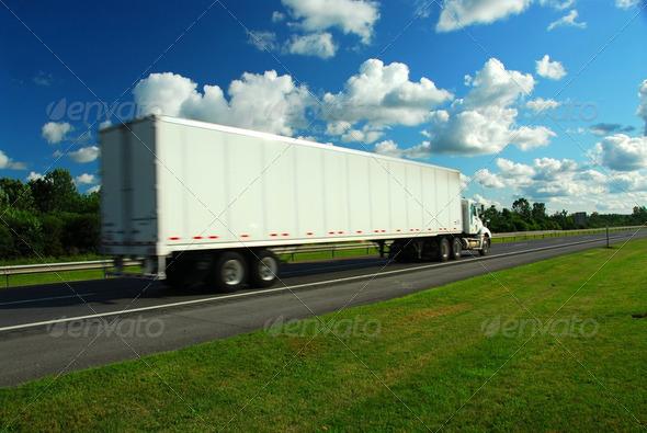 PhotoDune Moving Truck 185402