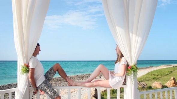 VideoHive Happy Couple In The Paradise 3138130