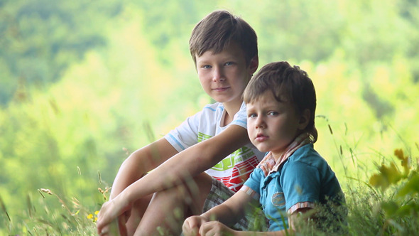 VideoHive Boys In Forest 7 3318191