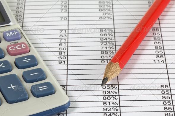 В бухгалтерию авансовый отчет с приложением