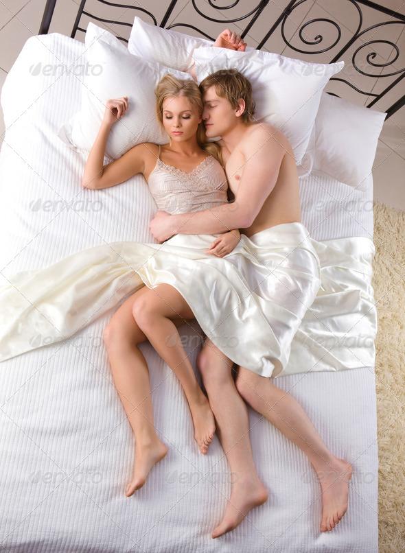 жена и муж в постели фото