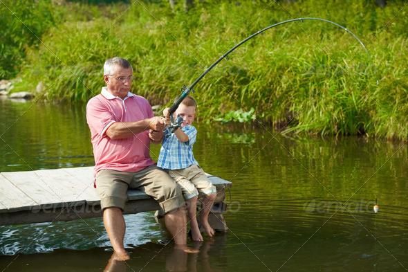 сходил с дедом на рыбалку