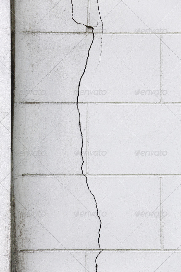PhotoDune Cracked concrete wall 3732461