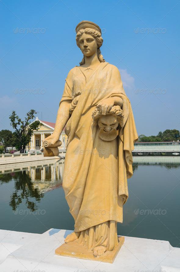 PhotoDune Statue 3883369