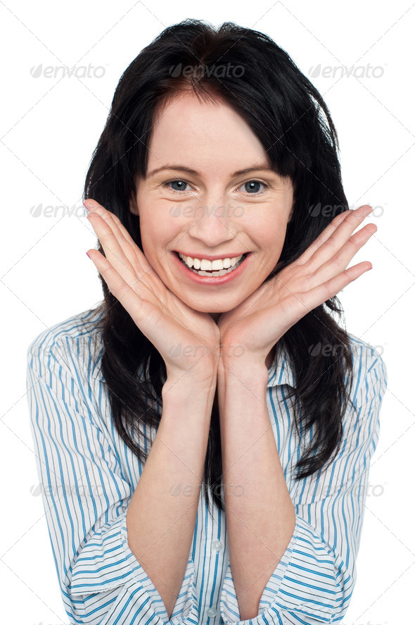 PhotoDune Smiling young woman resting her chin over palms 3960182