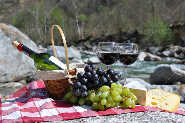 PhotoDune Red wine cheese and grapes served at a picnic Verzasca valley 4001881