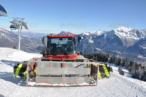 PhotoDune Snowplow in Pizol famous Swiss skiing resort 4001870
