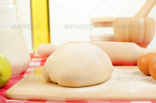 PhotoDune Different products to make bread 4048146