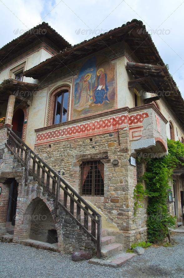 PhotoDune Alleyway Grazzano Visconti Emilia-Romagna Italy 4048785