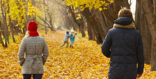 VideoHive Family in Park 6056411