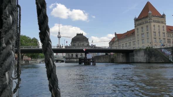 Berlin City - Spreeltä - Museosaari - Kaupunki Arkistofilmit