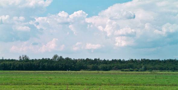 Dreamy Field Clouds 4K