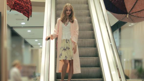 Girl st Shopping Mall