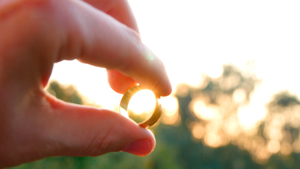 Sun Through The Gold Ring