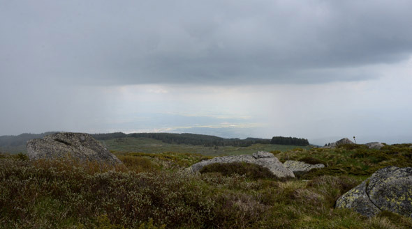 Movement Of Rainy Clouds On a Mountain