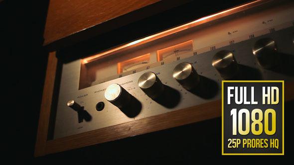 Old Radio Amplifier 02