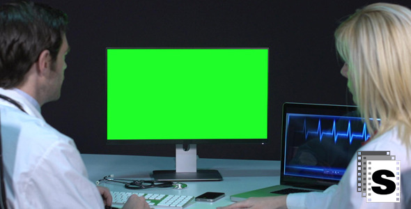 VideoHive Doctors Looking At Green Screen 9702989