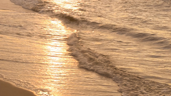 VideoHive Sea Waves and Sunny Reflections 9705687