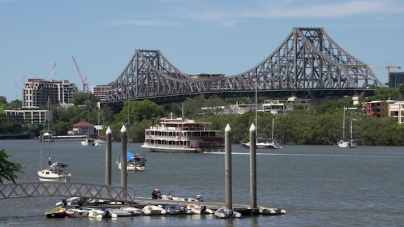 VideoHive Cruise Ship In Front Of The Story Bridge In Brisbane 9706216