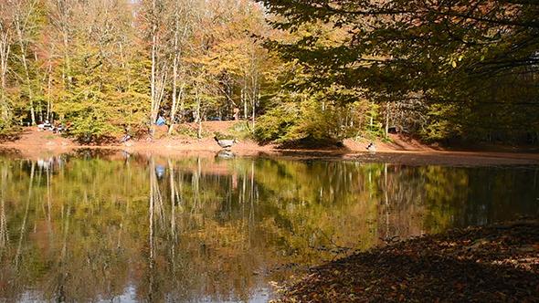 Beautiful Lake at The Autumn 4