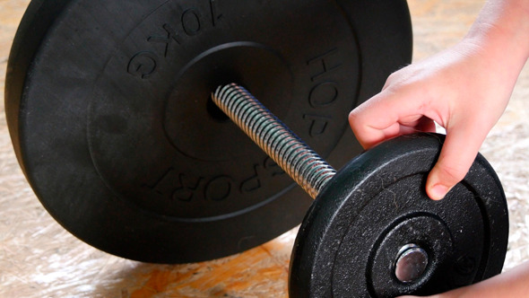 Adding Weights To A Dumbbell