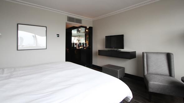 Luxury Hotel Room 2