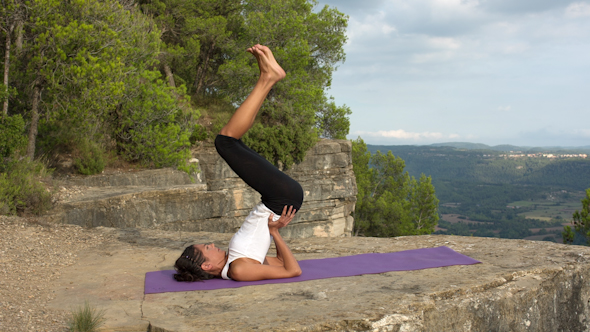 Yoga Teacher Amazing Location Mountain Clifftop 20