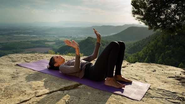 Yoga Teacher Amazing Location Mountain Clifftop 5