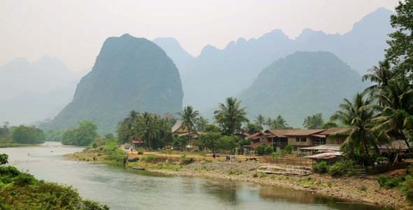 Easygoing Daily Life of Vang Vieng Laos 15