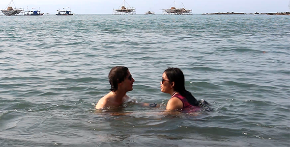 Happy Couple in the Sea 2
