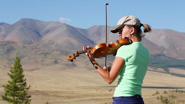 Violinist 15