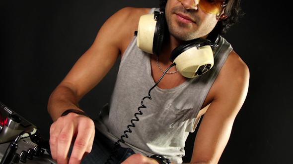 Dj Mixing Records 15