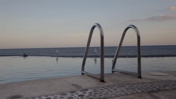 Infinity Pool 4