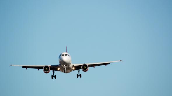 Plane Landing Zoom Telephoto Barcelona Airport 12