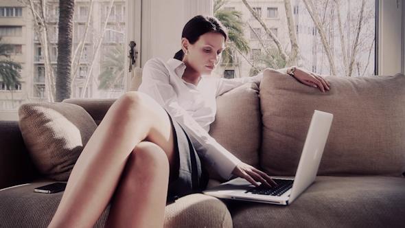 Stylish Business Woman Ofiice Laptop Busy 4