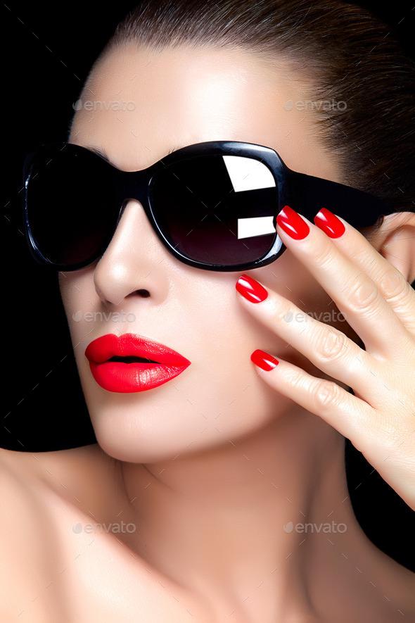 Dark Sunglasses Models Fashion Women's