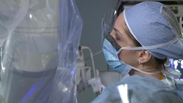 Female Robotic Surgeon 4 Of 12