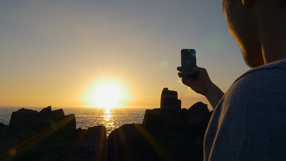 VideoHive Sunrise Photo with a Smartphone 10094464