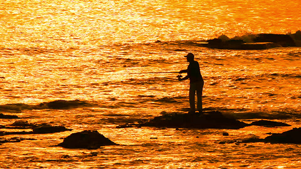 VideoHive Fisherman With Spinning Silhouette At Sea Sunset 10103415