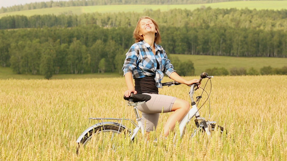 VideoHive Girl With Bicycle 9 10119300