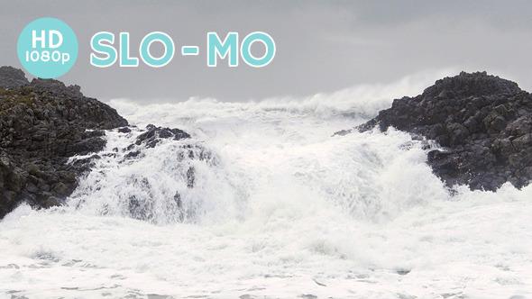 VideoHive Storm Waves Surge Ashore 10125902