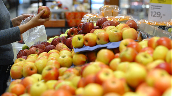 VideoHive Putting Apples In Plastic Bag In Supermarket 10151066