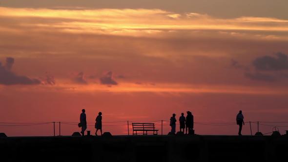 Sunset Shilouette Tourists Pier Mexico 1