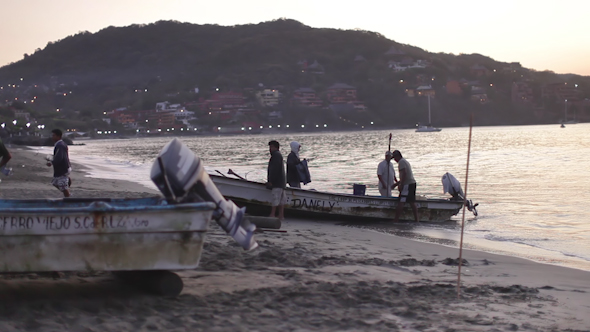 Fishermen Fish Boats Mexican Coast 5