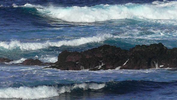Waves Atlantic Ocean Breaking onto Rocks