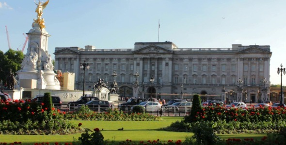 VideoHive Buckingham Palace and Victoria Memorial 10456390